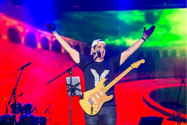 Durval Lelys estará de volta a Brasília em 18 de novembro com um show repleto de convidados especiais (JoaoBatista/Divulgacao)