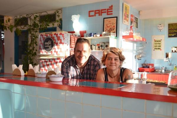 O café Cobogó - Mercado de objetos recebe também eventos, como as feirinhas Convescote de Acepipes e Feira de Quintal ( Lanna Silveira/Esp. CB/D.A Press)