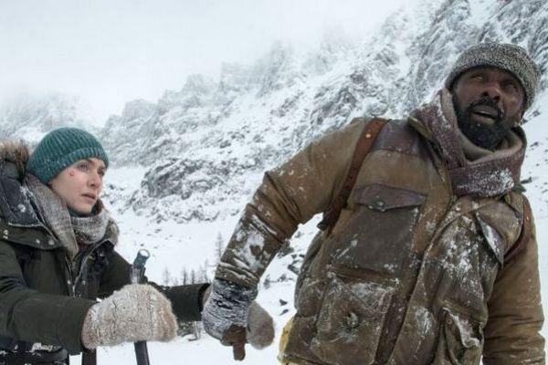 Beau Bridges e Kate Winslet ficam isolados numa gélida montanha (Reprodução/Internet)