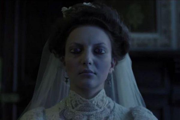 O casamento de Nastya e Ivan é cercado por rituais macabros (Reprodução/Divulgação)