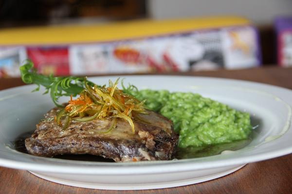 Para quem gosta de costelinha de porco, o Dudu Lago Bar é uma boa opção (Dudu Lago Bar/Divulgação)