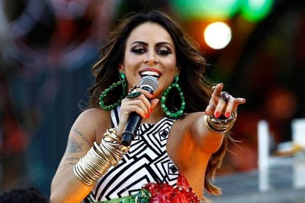 Alinne Rosa comandará a festa Baile do Zodíaco  (Internet/Reprodução)