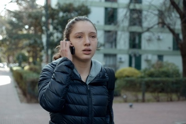 'Invisível' conta com Mora Arenillas, Mara Bestelli e Agustina Fernandez no elenco (Reprodução/Internet)