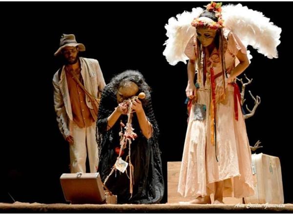 Os Avessos leva o universo de Guimarães Rosa aos palcos  (Layza Vasconcelos/Divulgacao)