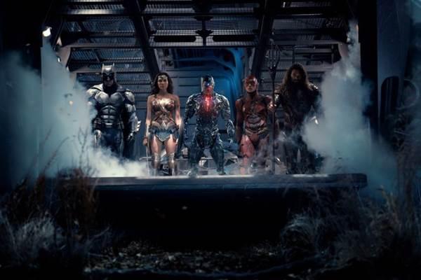 Questões contemporâneas, como racismo e empoderamento feminino, estão em voga em Liga da Justiça   (Warner Bros/Divulgação)