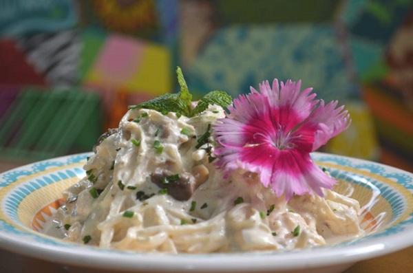 Com base de pupunha, restaurante Max Foods recria spaghetti saudável (Ana Carneiro/Esp. CB/D.A Press)