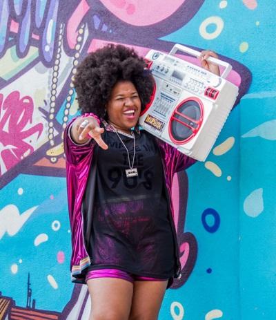 DJ Tamy é uma das que animam o fim de semana da capital (Simone Fran/Divulgacao)