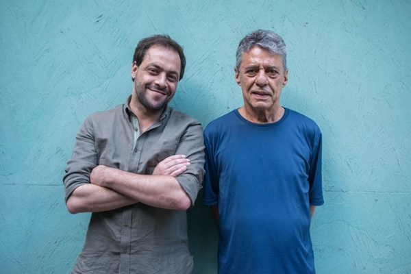 Zambujo recebe a cantora Roberta Sá para participação especial  (Tiago Cao/Divulgação)