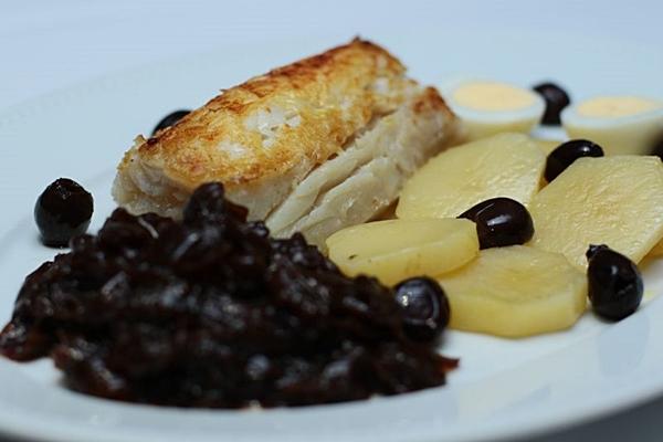 O bacalhau à Tejo é um dos carros-chefes da casa (Luis Nova/Esp. CB/D.A Press)