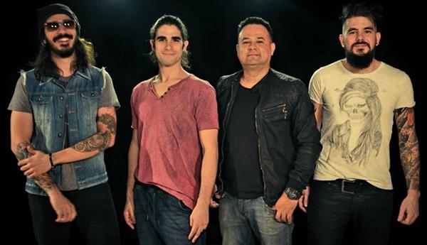 A  banda Acoustic Hits é a atração do Don Espettoria amanhã (Arquivo Pessoal/Divulgação)