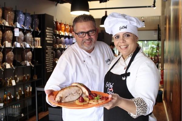 Os chefs Kalene Morais e Jomar Antunes são prorpietários do empório Eu Chef ( Ana Rayssa/Esp. CB/D.A Press)