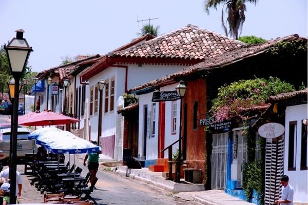 Os casarões dão um tom histórico ao passeio por Pirenópolis (Pousada Cachoeiras Araras Resort/Reprodução)