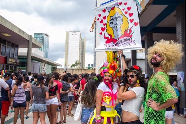 O bloco Virgens da Asa Norte é tradicional no pré-carnaval (Romulo Juracy/Esp. CB/D.A Press)
