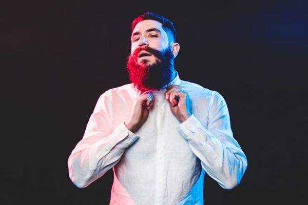 DJ e produtor Omulu é a principal atração da festa Sarra no Outro Calaf  (Fernando Schlaepfer/Divulgação)