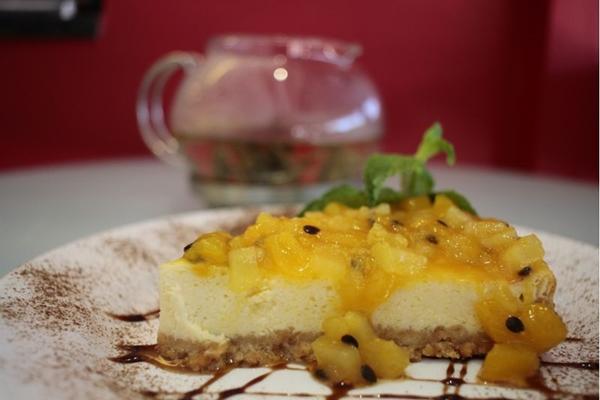 O cookers tem no cardápio uma cheesecake de geleia de manga ( Ana Rayssa/Esp. CB/D.A Press)