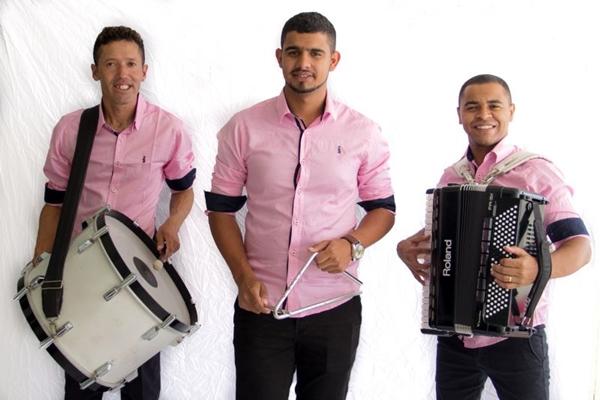 O trio Balançado é a atração de hoje no forró Ispilicute  (Forró Ispiculite/Divulgação)