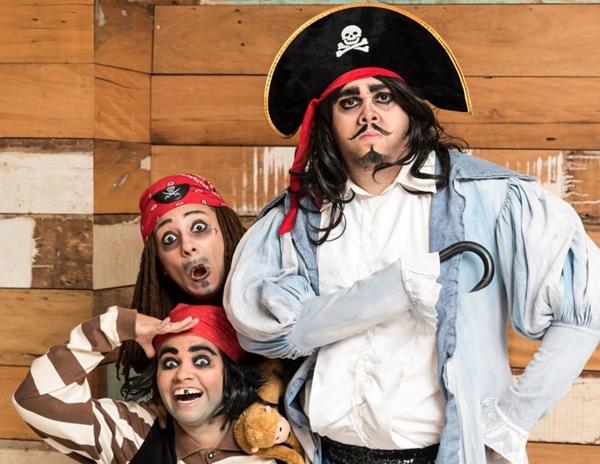 O capitão Garrancho e sua turma embarcam em um navio cheio de aventuras (Telmo Ximenes/Divulgação)