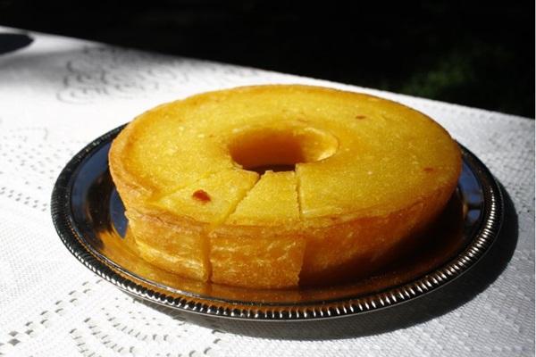 A variedade de bolos de mandioca na Gamela vai de receitas mineiras a pernambucanas (Ana Rayssa/Esp. CB/D.A Press)