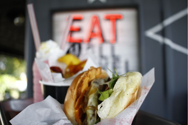 A qualidade dos ingredientes garante o sabor diferenciado dos hambúrgueres do Páprica Burger (Ana Rayssa/Esp. CB/D.A Press)