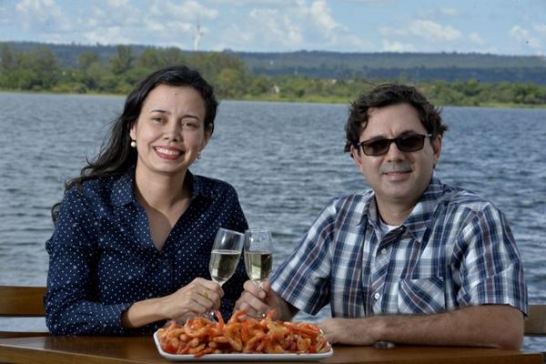 O camarão ao alho e óleo é uma opção de entrada para compartilhar  (Marcelo Ferreira/CB/D.A Press)