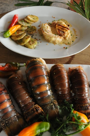 A lagosta é a estrela no cardápio do Ilê Praia Park  (Bárbara Cabral/Esp. CB/D.A Press)