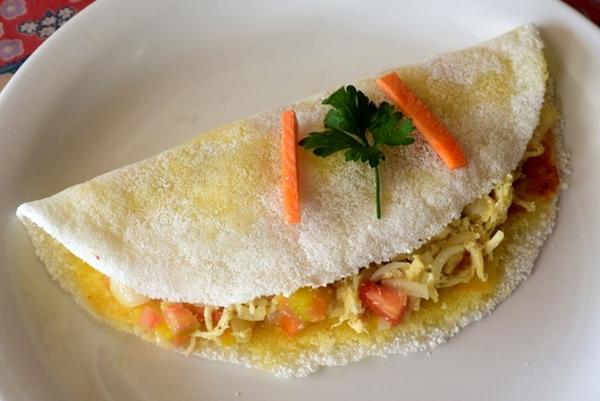 A tapioca de frango é um dos pratos mais tradicionais da Tapiocaria Maria Bonita (Antonio Cunha/CB/D.A Press)