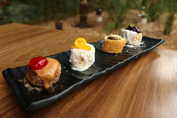 A inspiração da sobremesa quarteto de bananas empanadas é o hot japonês (Arthur Menescal/Esp. CB/D.A Press)