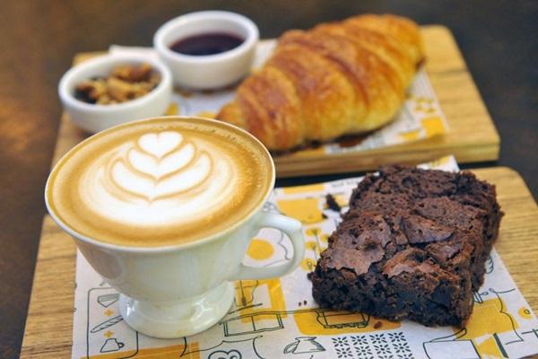Opções para o café da manhã e lanche da tarde (Minervino Junior/CB/D.A Press)