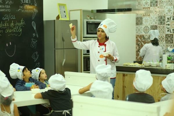 Os pequenos aprenderão a preparar pão de queijo no Pátio Gourmet (Fábio Mira/Divulgação)