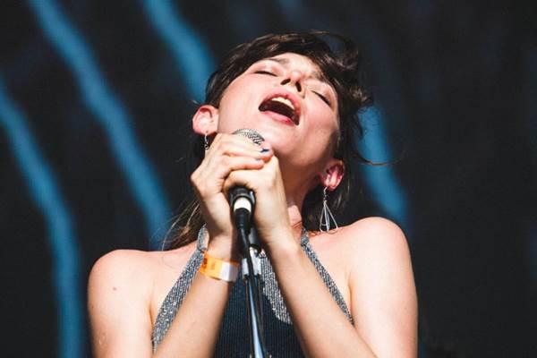 Salma Jô adianta que o show da Carne doce é uma despedida da turnê de Princesa e mostrará faixas do próximo disco (Rodrigo Gianesi/Divulgação)