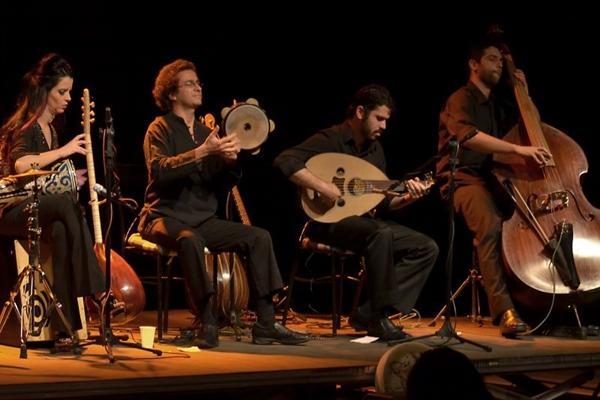 O grupo  Kervansarai faz um passeio musical passando por países como Turquia e o norte da África   (Adriana Bittar/Divulgacao)