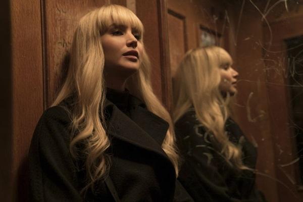 Personagem de Jennifer Lawrence se vê envolvida de repente em trama de espionagem (Twentieth Century Fox/Divulgação)