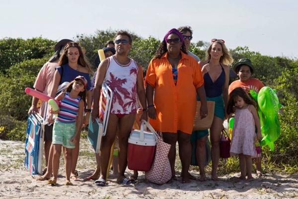 Em 'Os farofeiros', turma de amigos viaja em férias que não serão tão divertidas como prometiam (Reprodução/Internet)