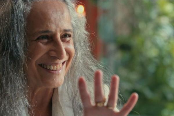 A cantora Maria Bethânia foi uma das entrevistadas no documentário 'A imagem da tolerância' (Reprodução/Internet)