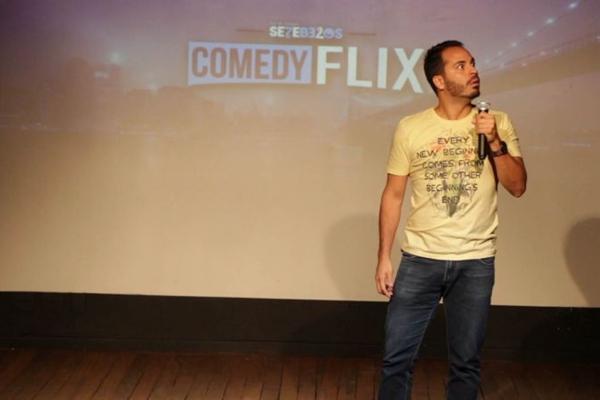 A Cia. Sete Belos grava os espetáculos e disponibiliza no canal no YouTube   (Comedy Flix/Divulgação)
