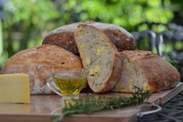 A massa italiana ganha um gostinho especial com tomilho e alecrim ( Ana Carneiro/Esp. CB/D.A Press)