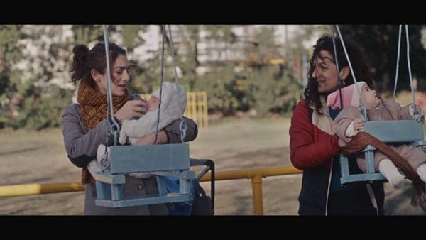 A relação de Liz e Rosa em 'Minha amiga do parque' é dúbia (Reprodução/Internet)