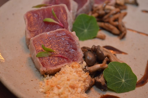 O atum semicru é um dos pratos de destaque no menu do restaurante Ouriço    (Ana Carneiro/Esp. CB/D.A Press)