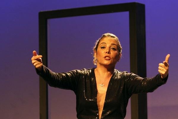 Além de estrelar, Heloísa Périssé escreveu o espetáculo (Guga Melgar/Divulgação)