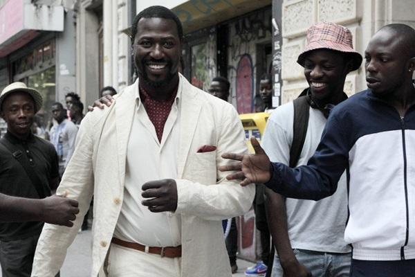 Questões raciais são abordadas com leveza em Château-Paris (Reprodução/Internet)
