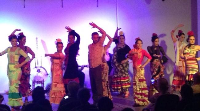 Al revés leva o flamenco para um cenário mais urbano do que o usual (Arquivo Pessoal/Divulgação)