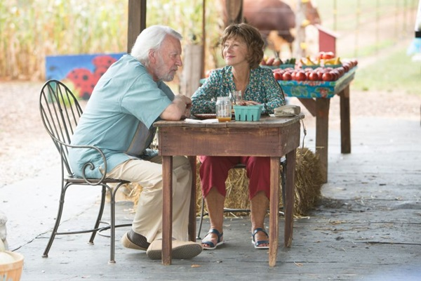 Helen Mirren e Donald Sutherland brilham em cena do sensível Ella & John (Sony Pictures/Divulgação)