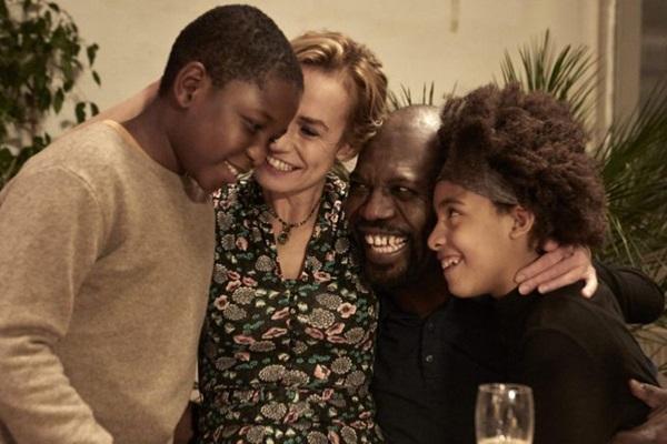Sonho de Abbas é manter a namorada e os filhos unidos, na França. (Reprodução/Internet)