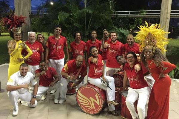 A Acadêmicos da Asa Norte presta homenagem a grandes nomes do samba-enredo. (Bruno Rt/Divulgação)