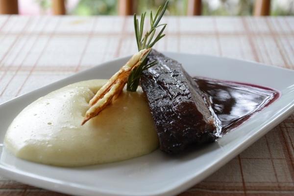 A carne de sol completa é o prato mais famoso do restaurante Xique Xique. (André Violatti/Esp. CB/D.A Press)