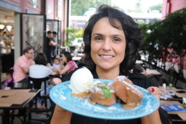 Sheila Leão, da Confeitaria Francesa: %u201CAqui tem rabanada o ano inteiro!%u201D. (Bárbara Cabral/Esp. CB/D.A Press)