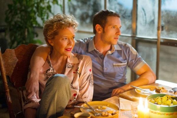 'Estrelas de cinema nunca morrem', com Annette Bening e Jamie Bell, é uma das estreias da semana (Reprodução/Internet)