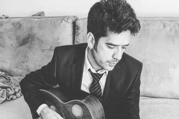 Wilson Sideral fará show baseado no trabalho de cantor e também de compositor (Facebook/Reprodução)