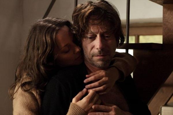 Elenco afiado recebeu elogios quando 'Os fantasmas de Ismaël' foi exibido em Cannes (Internet/Reprodução)