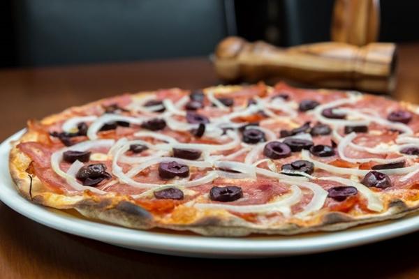 A pizza é um dos fortes da casa, que oferece as opções também para quem tem restrições alimentares  (RenerOliveira/Divulgacao)